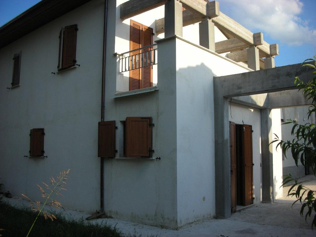 Ampliamento di casa per civile abitazione in loc tenne di for Casa it foligno